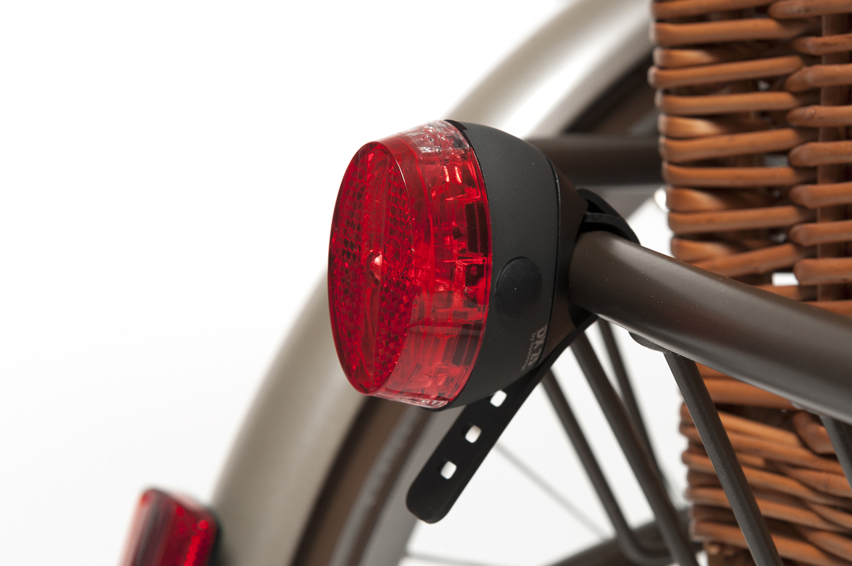 E2_-_rear_light