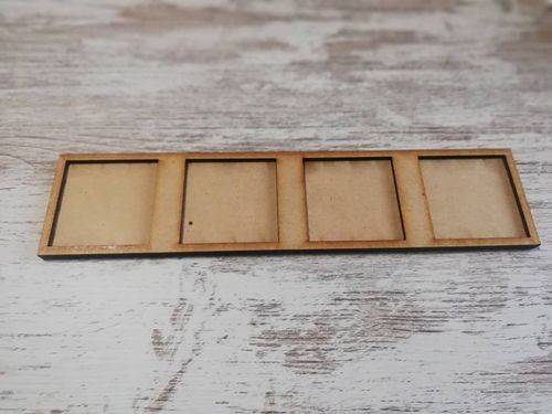 Tray of movement for 4 miniatures 40x40mm harasser