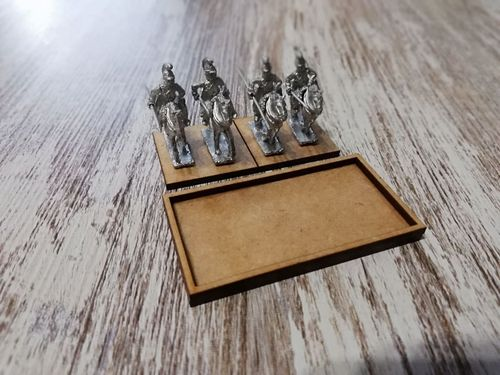Tray of movement for 2 miniatures of cavalry 60x30mm