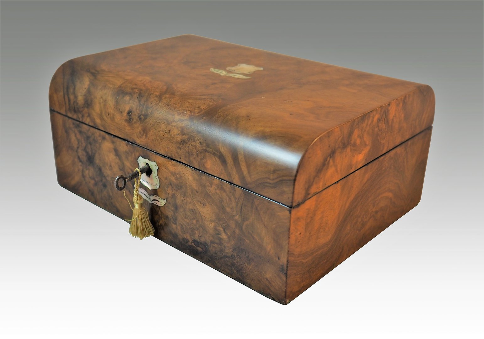 Walnut and mother of pearl jewellery box. Circa 1880